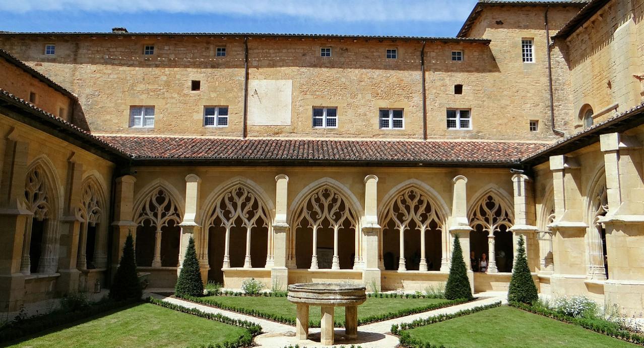 Abbaye_de_Cadouin_-_Cloître_MOSSOT