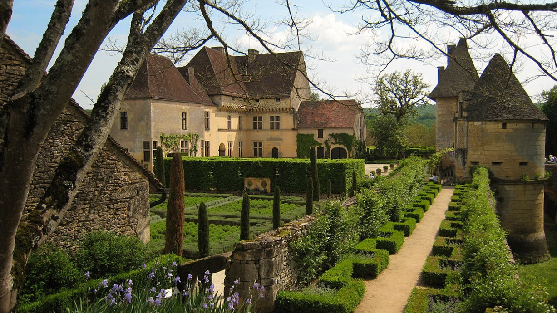 Chateau_de_jardin_jardins_losse_dordogne_perigordChateau_de_jardin_jardins_losse_dordogne_perigord