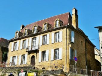 Sarlat-la-Canéda_hôtel_dAnglars_escalier