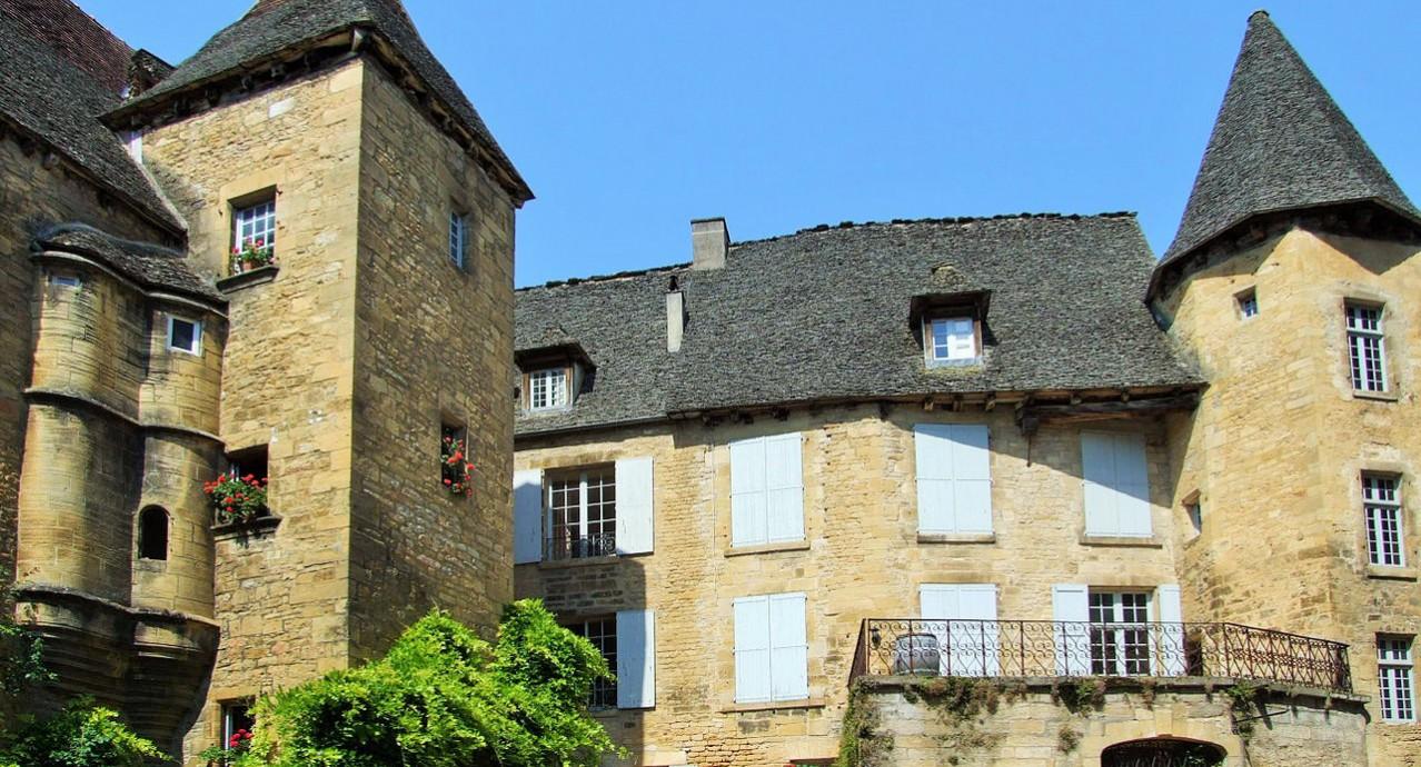 Sarlat_Manoir_de_Gisson_musee_de_la_bourgeaoisie