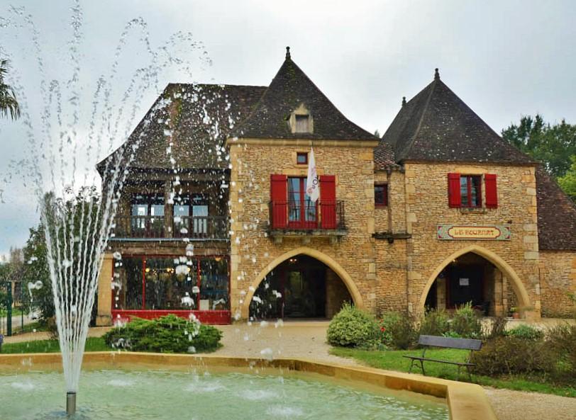 Village_du_bournat_parc_attractions_dordogne_le_bugueVillage_du_bournat_parc_attractions_dordogne_le_bugue