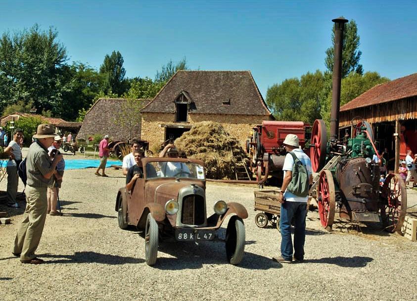 Le village du bournat for Le village du meuble bordeaux