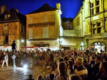 spectacle_de_rue_sarlat_dordogne