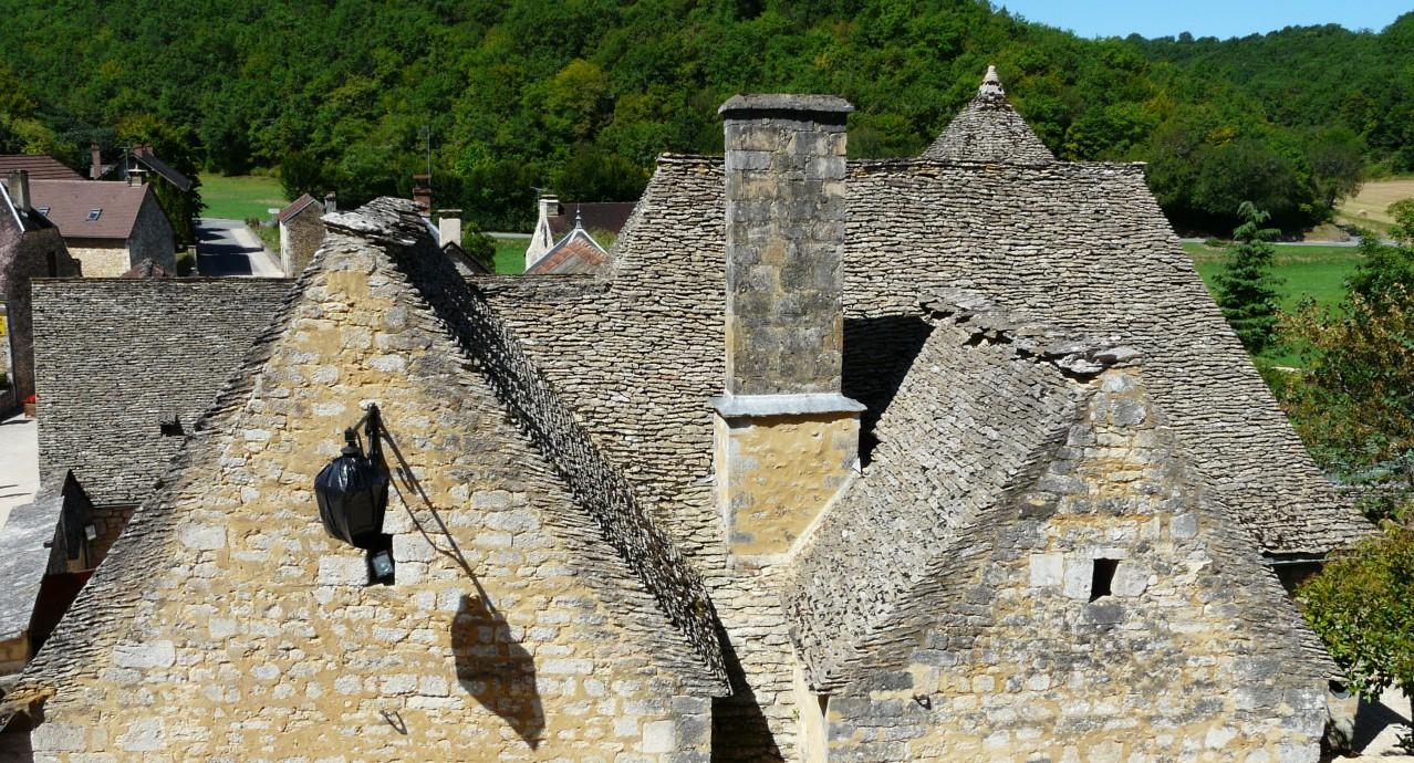 Saint-Amand-de-Coly_toits_lauzes_Père IgorSaint-Amand-de-Coly_toits_lauzes_Père Igor
