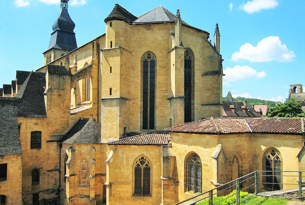 cathedrale_saint_sacerdoce_sarlat